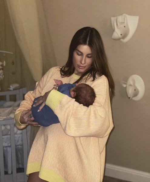 Кети Топурия показала фото с новорожденным сыном