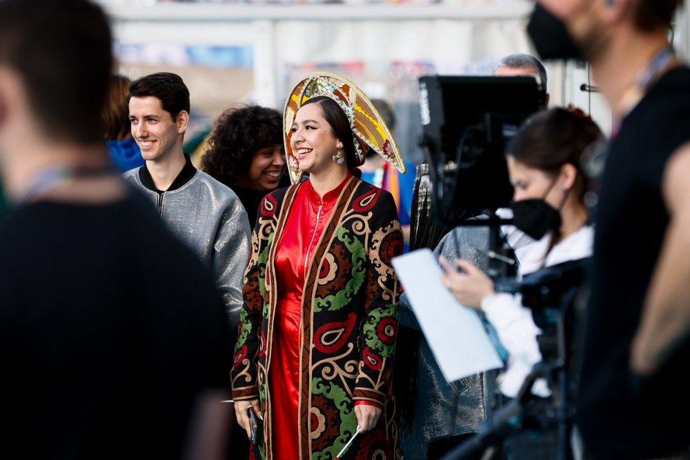 Участники «Евровидения» на церемонии открытия конкурса — фото