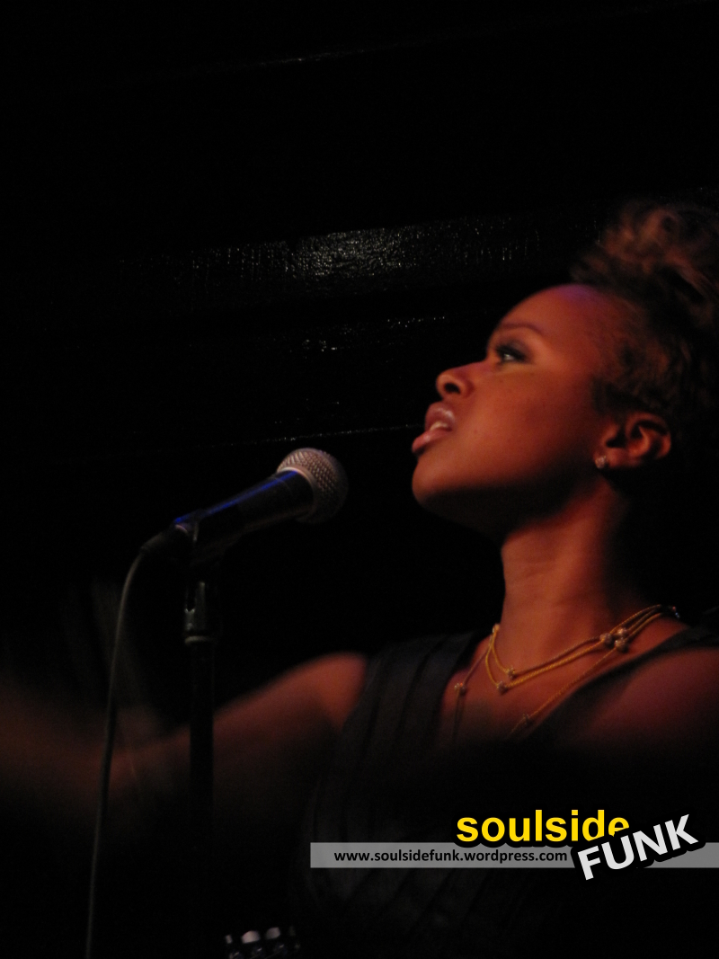 Chrisette Michele Jazz Cafe 01