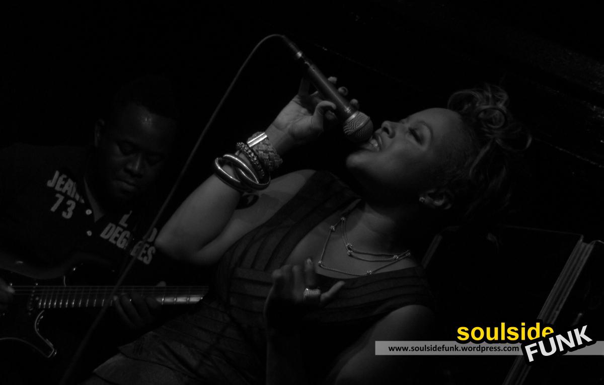 Chrisette Michele Jazz Cafe 05