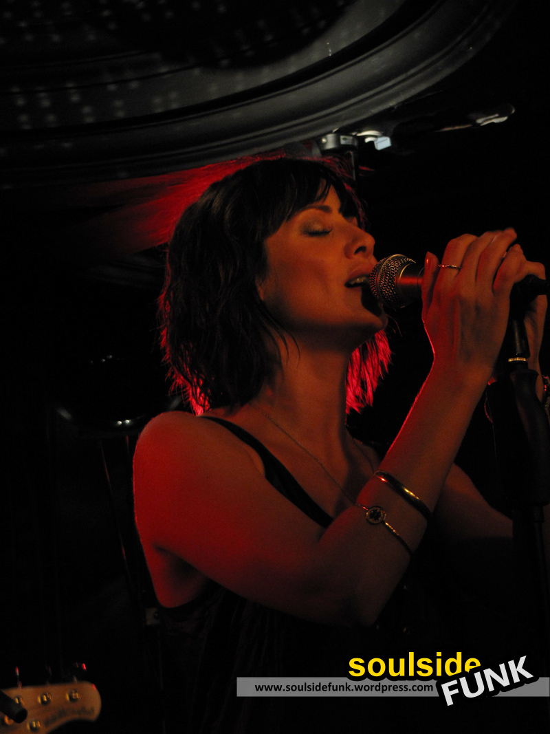 Natalie Imbruglia Luminaire 05