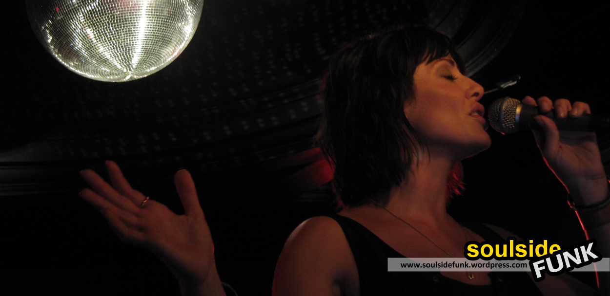 Natalie Imbruglia Luminaire 08