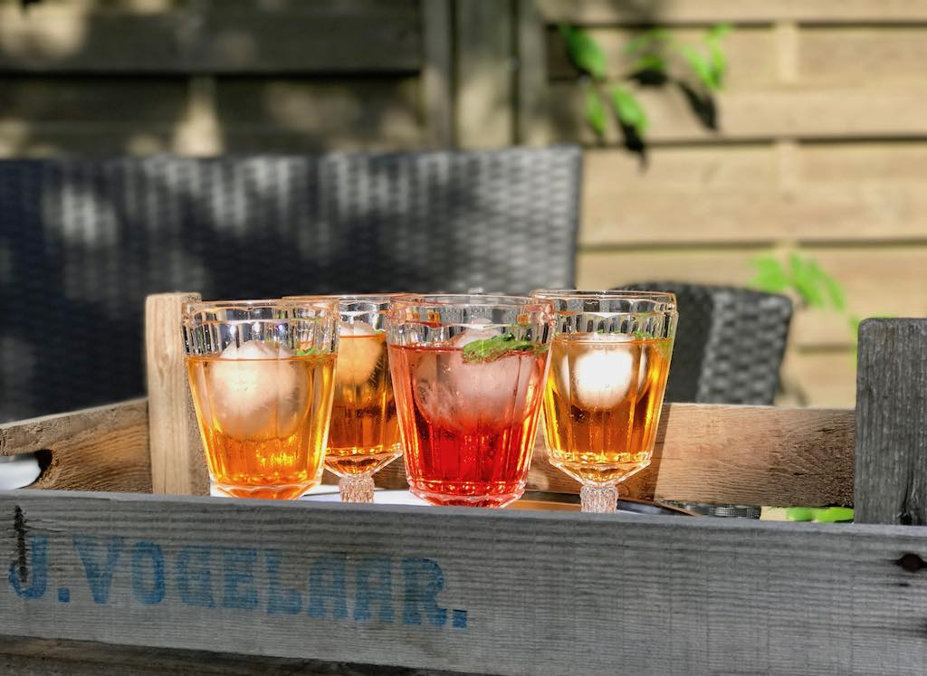 Aperol Spitz – der klassische Sommer-Cocktail. Cheers!