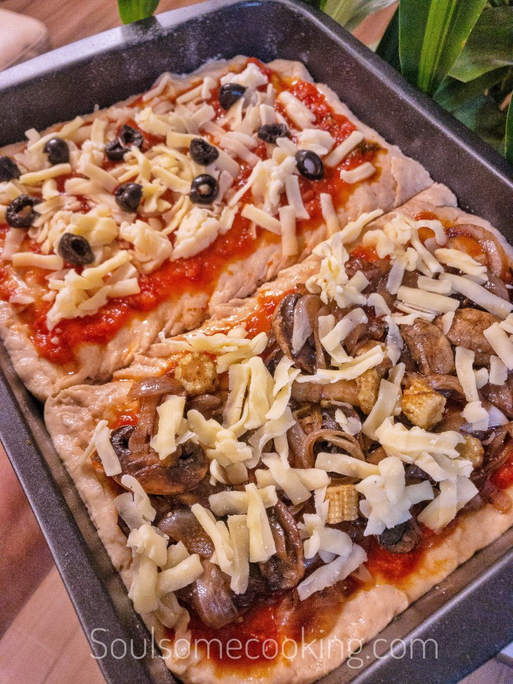 Balsamic caramelized Onions pizza