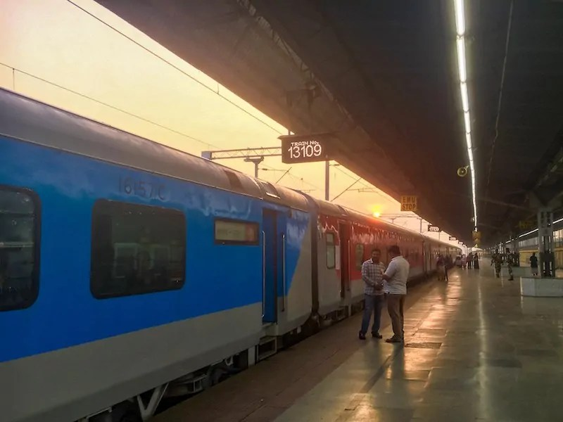 Kolkata to Dhaka train