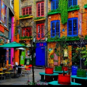 Colorful houses to Neal Yard - London2