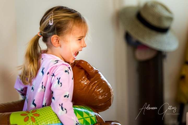 portraits, candid photography, spontaneous moments, child having fun
