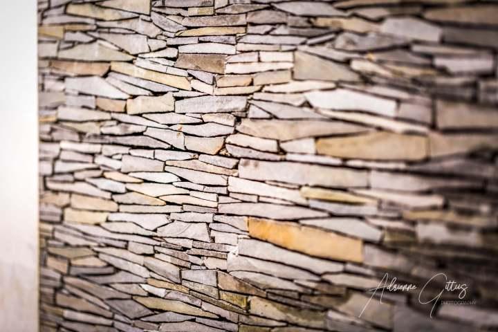 Gili Teak Bungalows Bathroom wall slate stones