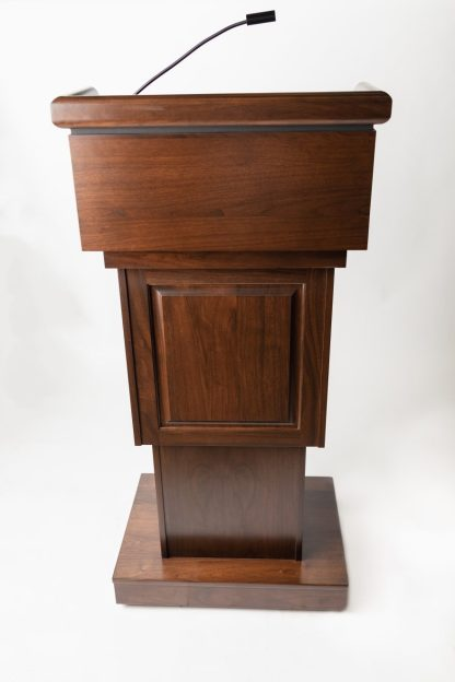 The Keynote Executive Traditional Lectern