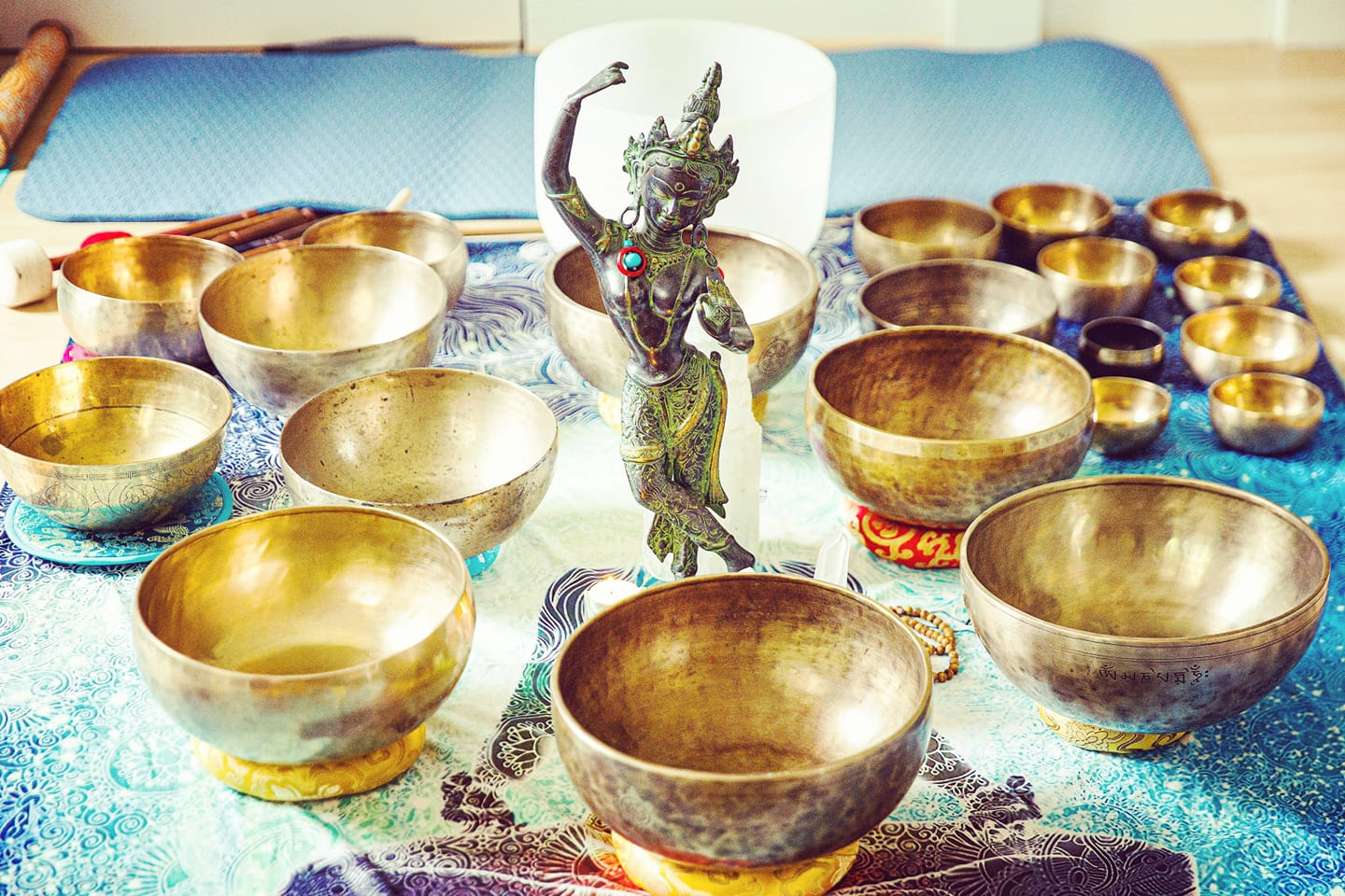 Foundations of Sound Healing with Himalayan Singing Bowls. Meditation & Self-Healing