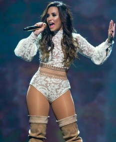 Demi_Lovato,_Future_Now_2016_(Cropped)