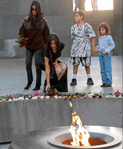 Kim and Kourtney Kardashian lay flowers at the Armenian Genocide Memorial Complex (photos)