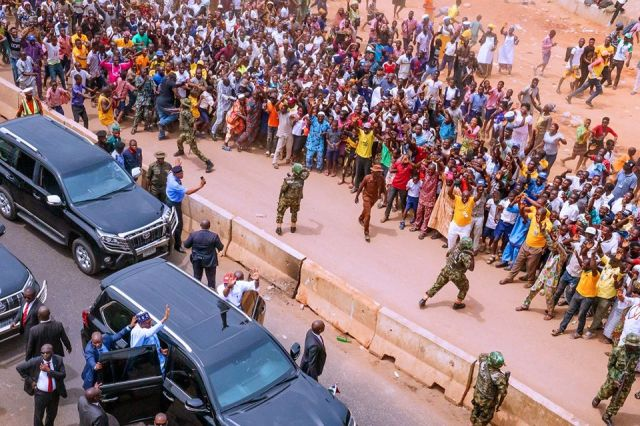 the crowd that welcomed President Buhari in Ondo today (photos/video)