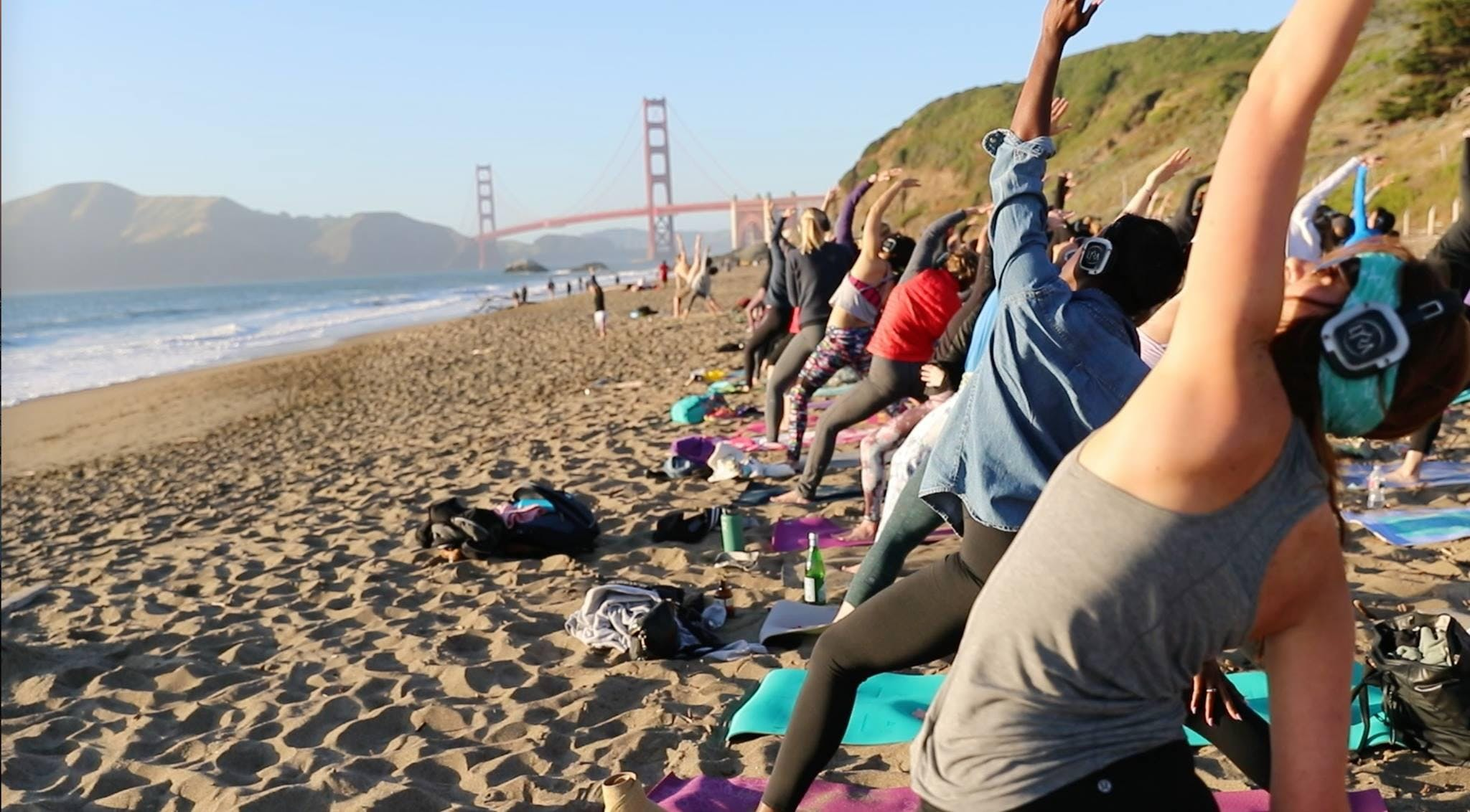 Saturday Groove : Beach Yoga with Julianne!