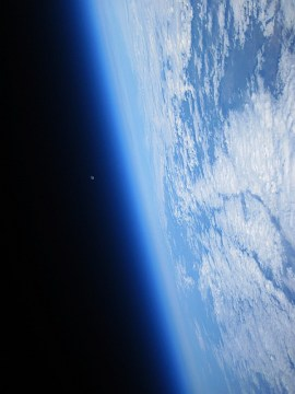earth-and-moon_site1