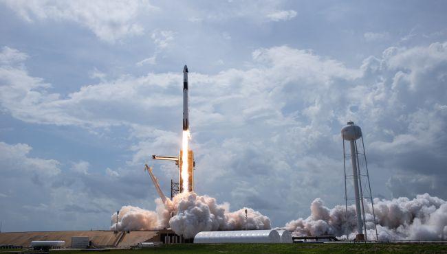 lansarea spacex