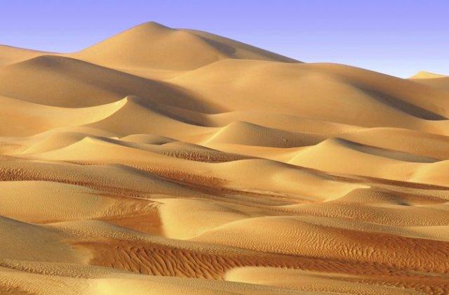 sand-dunes-golden-ripples-670-1
