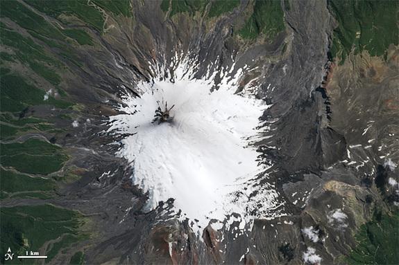 Vulcanul inainte de eruptie.