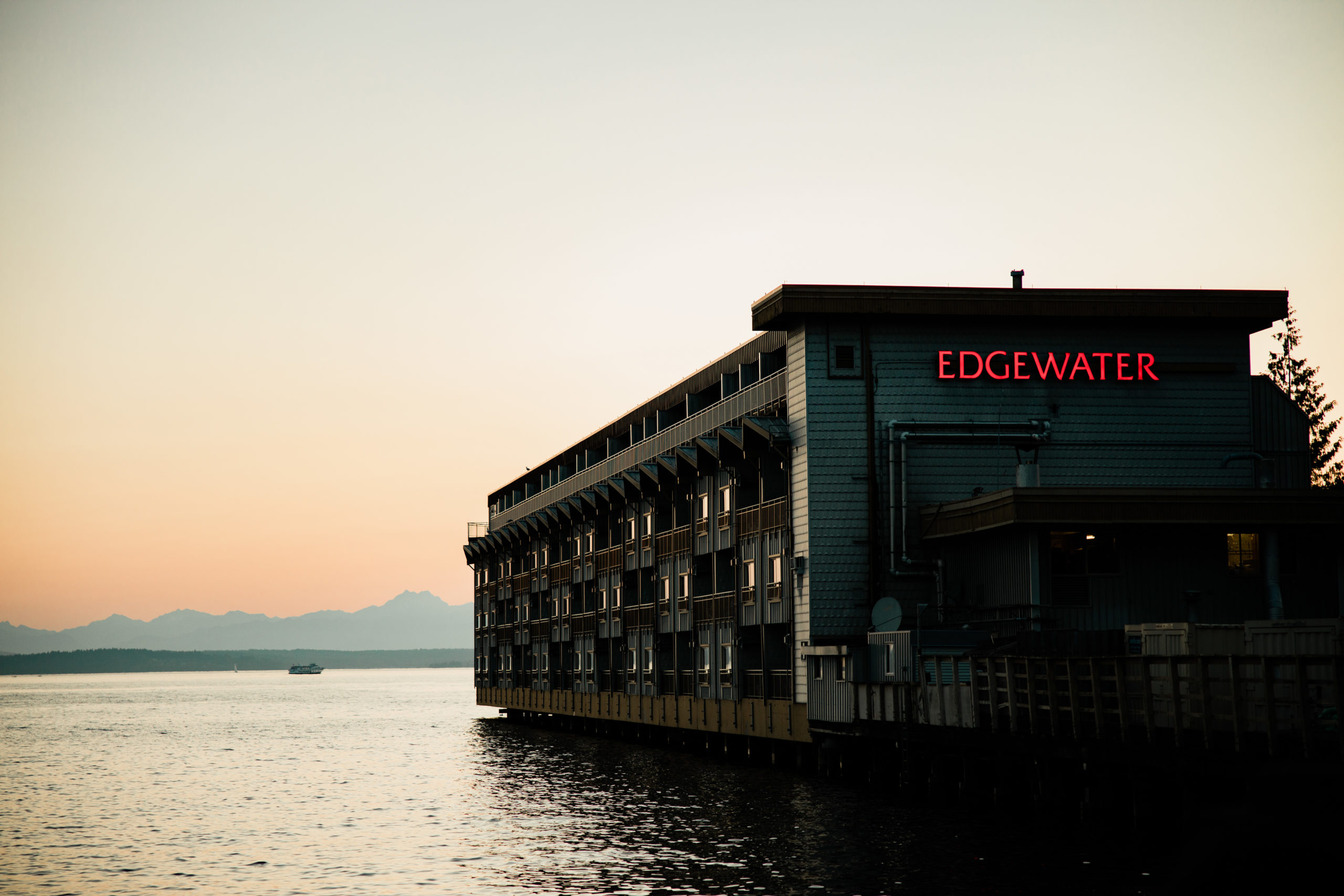 Waterfront wedding venue in downtown seattle, the edgewater hotel
