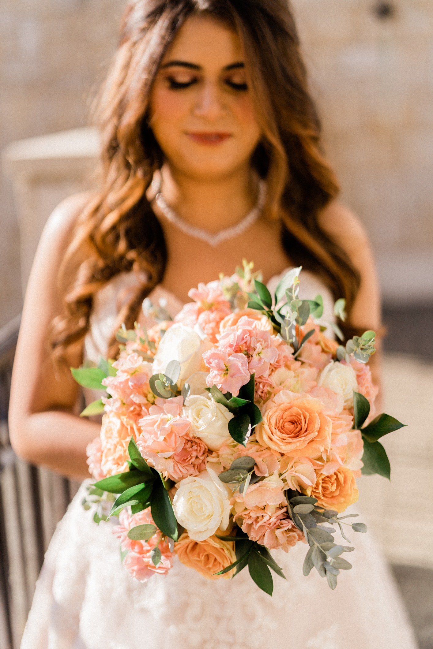 bridal flowers at golf club wedding venue in seattle