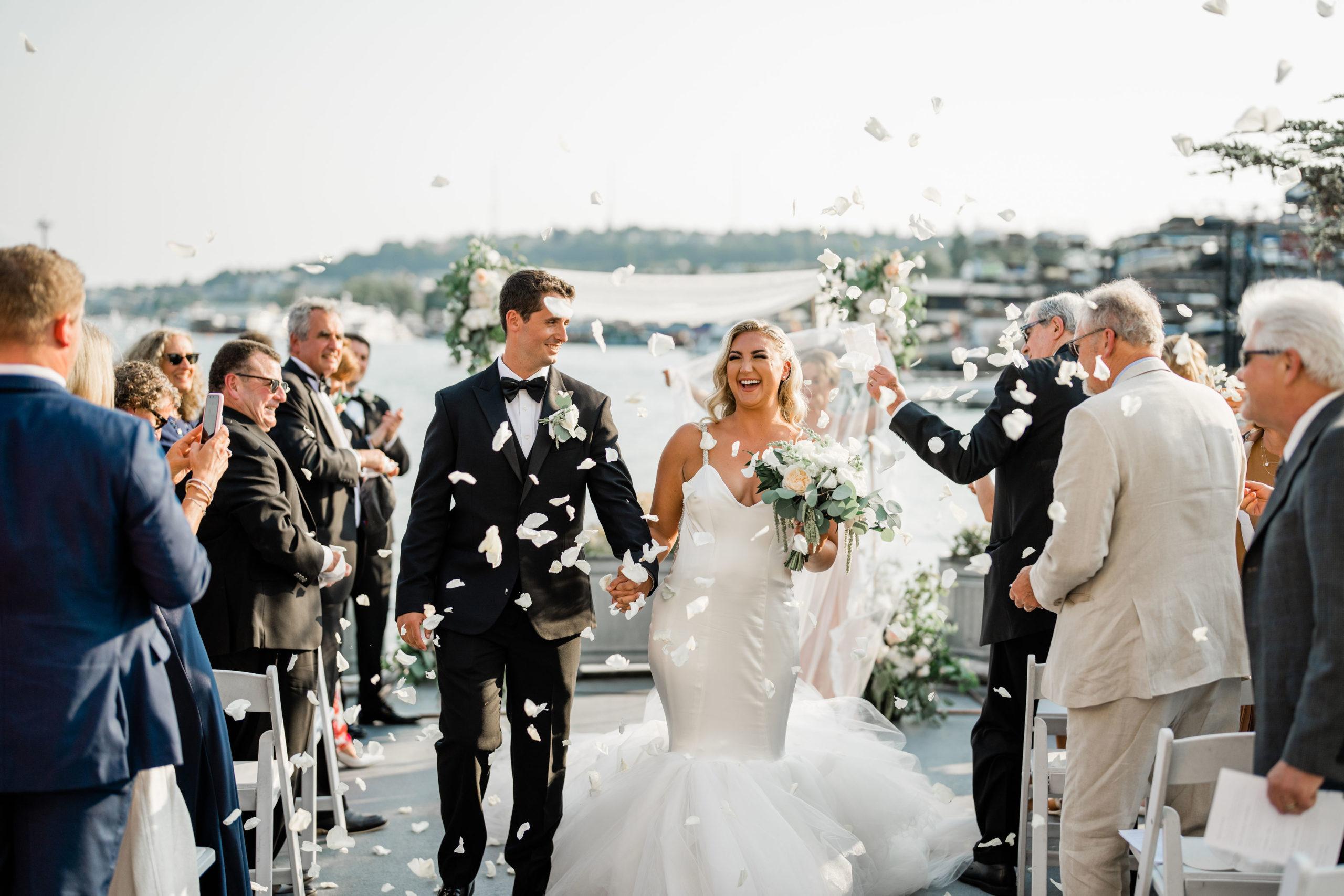 Seattle wedding photographer captures first kiss