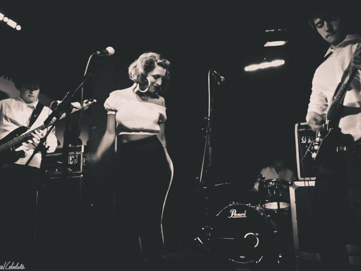 Stella And The Shakes – When An Opera Singer Blossoms Into A Blues Singer