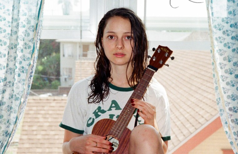 Nora Rothman - Beautiful And Calming Voice Of A Young Singer And Actress 1