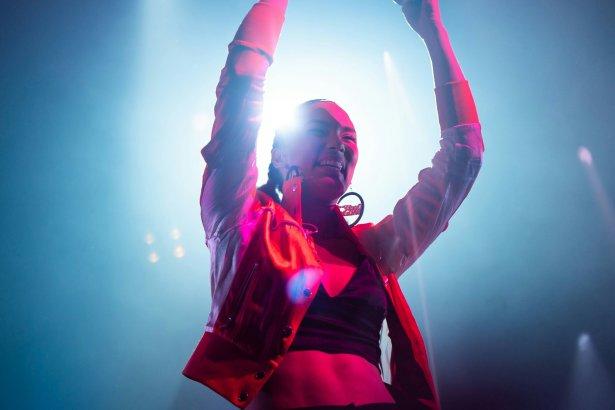 Thaïs Lona - La Révélation de la soirée à la Halle Tony Garnier - Jazz À Vienne 19/20 2