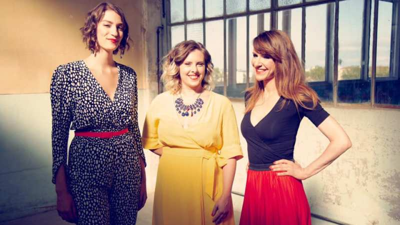 The Glossy Sisters – Le Trio Vocal Propose Un Nouvel Arrangement Époustouflant