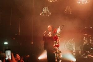 mahalia roses on stage