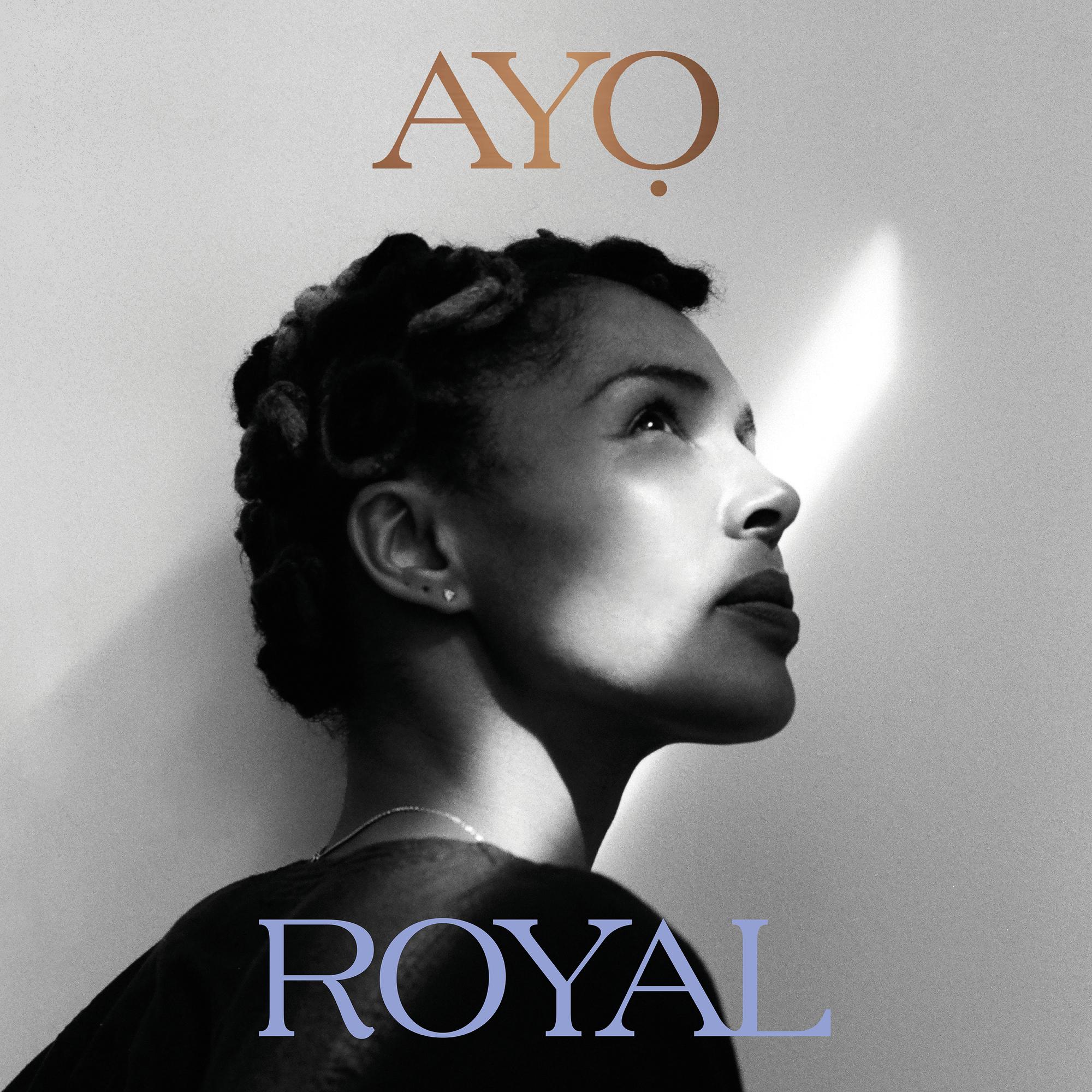 AYO – Son Album 'ROYAL' Inspire Une Imperturbable Sérénité