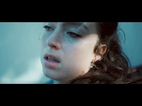"LILI O Présente Son Nouveau Single ""Dis-Moi"""