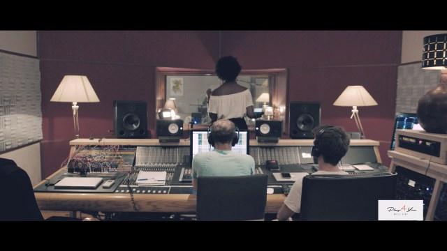 Play4You et Prisca VUA, une collaboration 'So Beautiful' 2