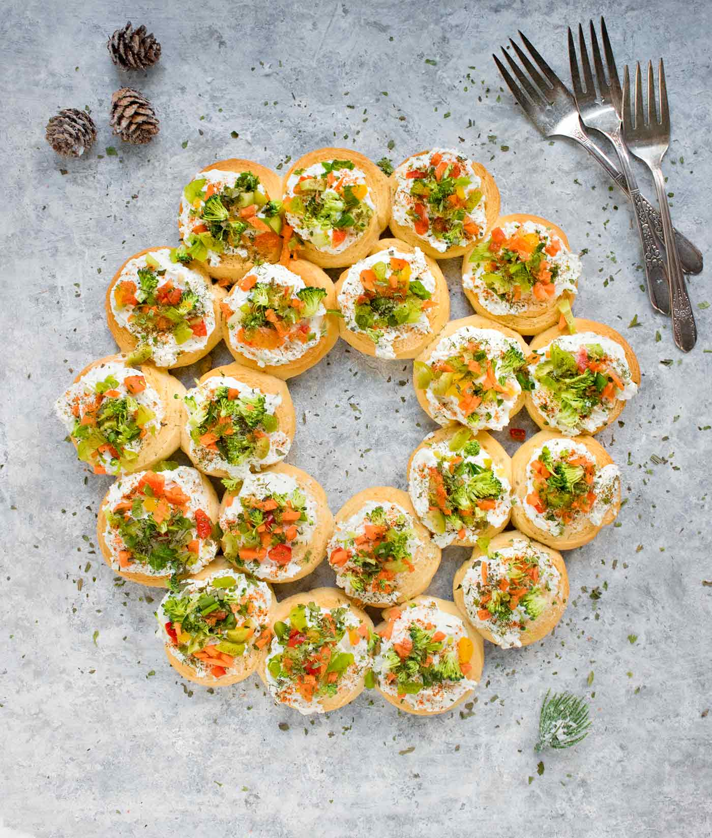 Christmas Finger Foods.Christmas Wreath Appetizers