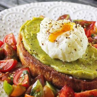 Avocado Fried Toast with Poached Egg | SoupAddict.com