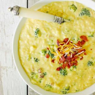 Cheesy Broccoli Rice & Bacon Soup | SoupAddict.com