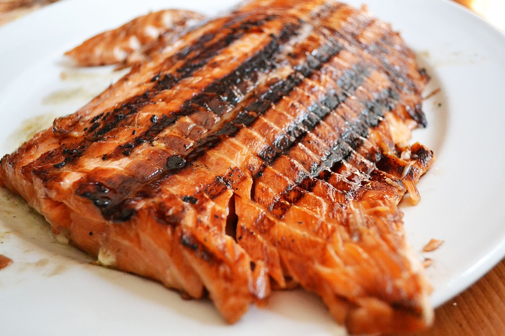 Grilled Salmon with Brown Sugar and Soy Sauce