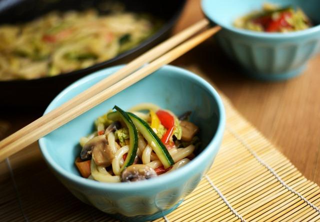 stir fried udon noodles vegetables 4