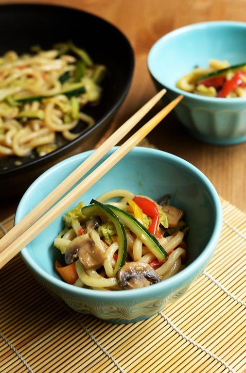 stir fried udon noodles vegetables 1