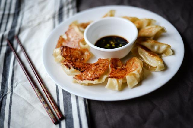 pork cabbage potstickers 1