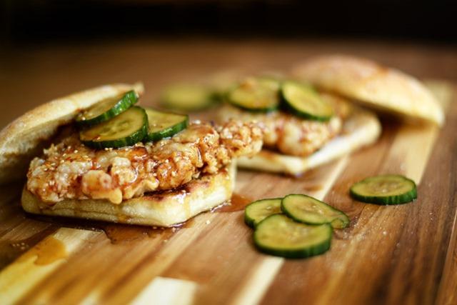 korean fried chicken sandwiches 2
