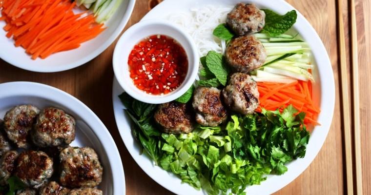 Vietnamese Lemongrass Meatball and Vermicelli Noodle Salad (Bun Cha)