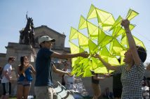 Zoe Liu (right) and Ethan Paik prepare Liu's kite for flight. (Photo: Sid Hastings/Washington University)