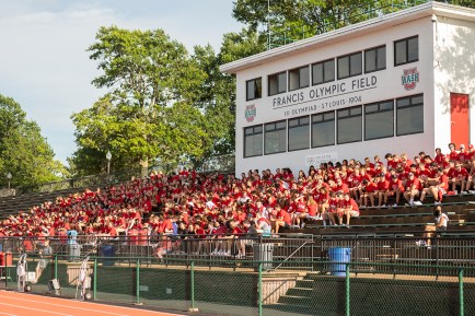 WashU scholar-champions gather at Francis Olympic Field Aug. 29 to kick off the 2021-22 athletics season. (Photo: Danny Reise/Washington University)