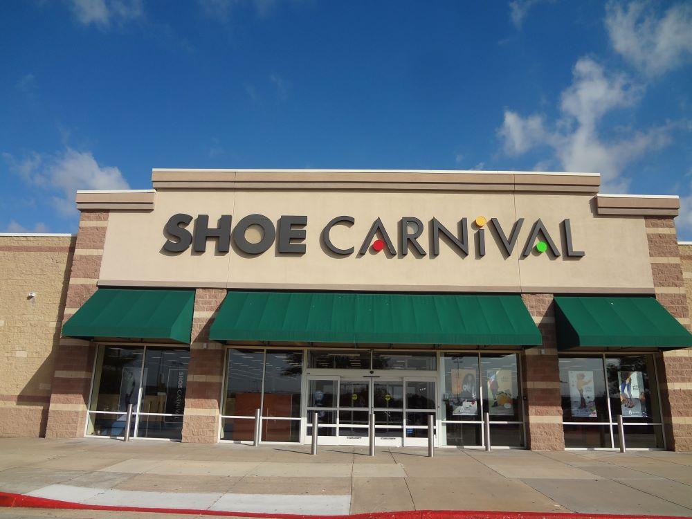 Caleres, Shoe Carnival Shut Down Stores