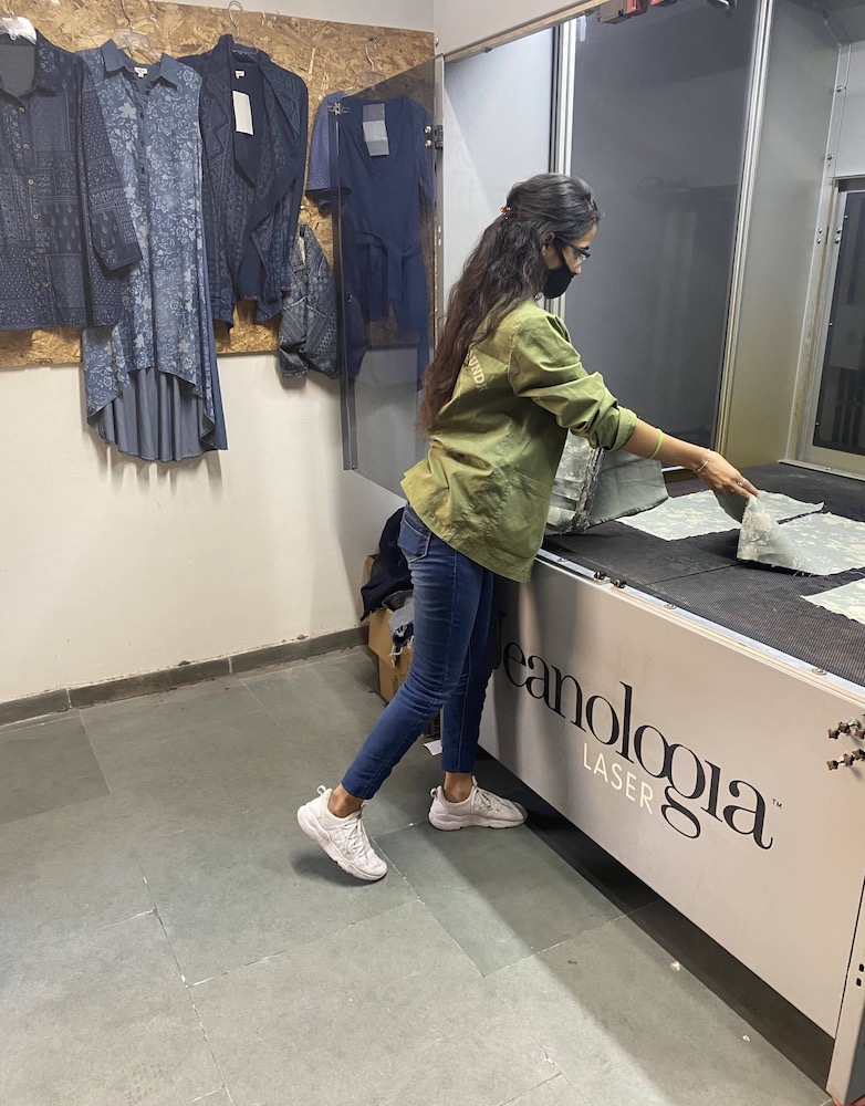Longtime partners Jeanologia and Anish India Exports launched AIE Laundry 5.Zero, a garment finishing center run entirely by women in India.