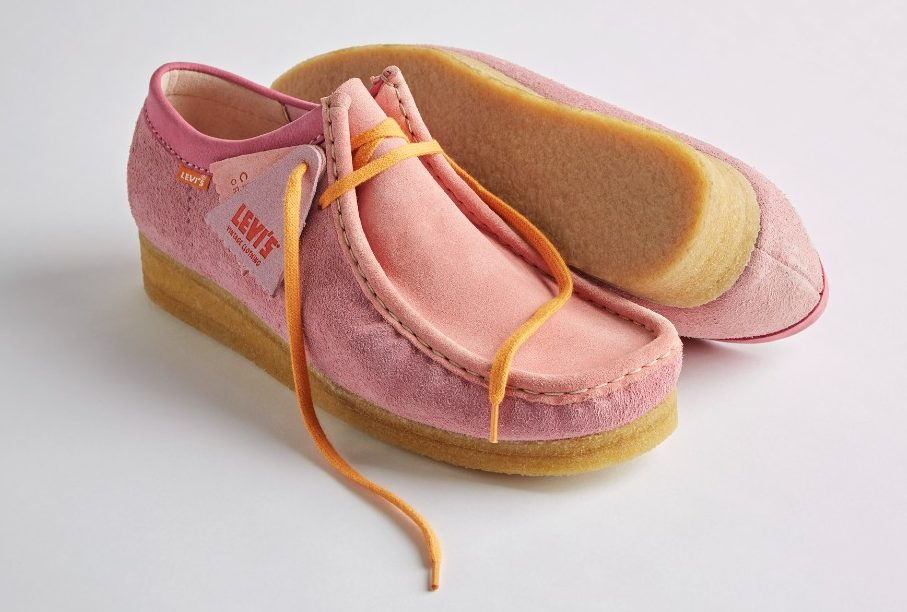 The Wallabee style in pink suede.