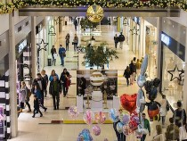 Physical Stores Must Evolve But Malls, Retailers Are at Odds Over How