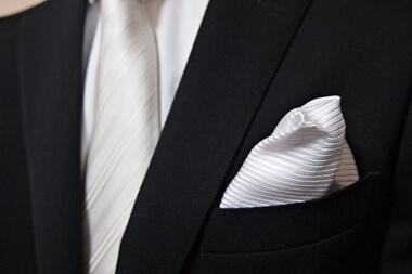 結婚式の男性のポケットチーフ