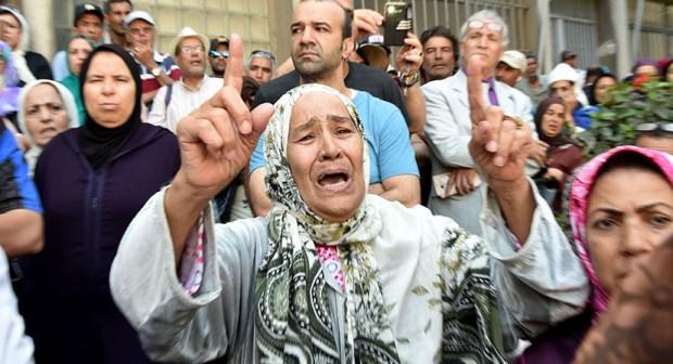 بالفيديو: جنازة مهيبة وحشود  غفيرة تشيع الظلمي إلى متواه الأخير